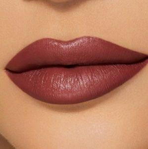 Kylie velvet lipstick shook